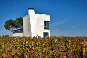 http://www.bestofwines.com/uploads/fotos_domeinen__chateaus/Chateau_Le_Pin.jpg